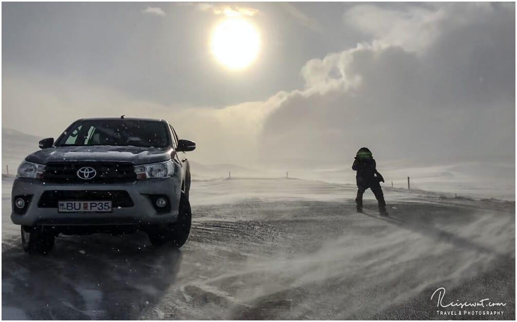 Erschwerte Fotobedingungen durch Sturm und Schnee