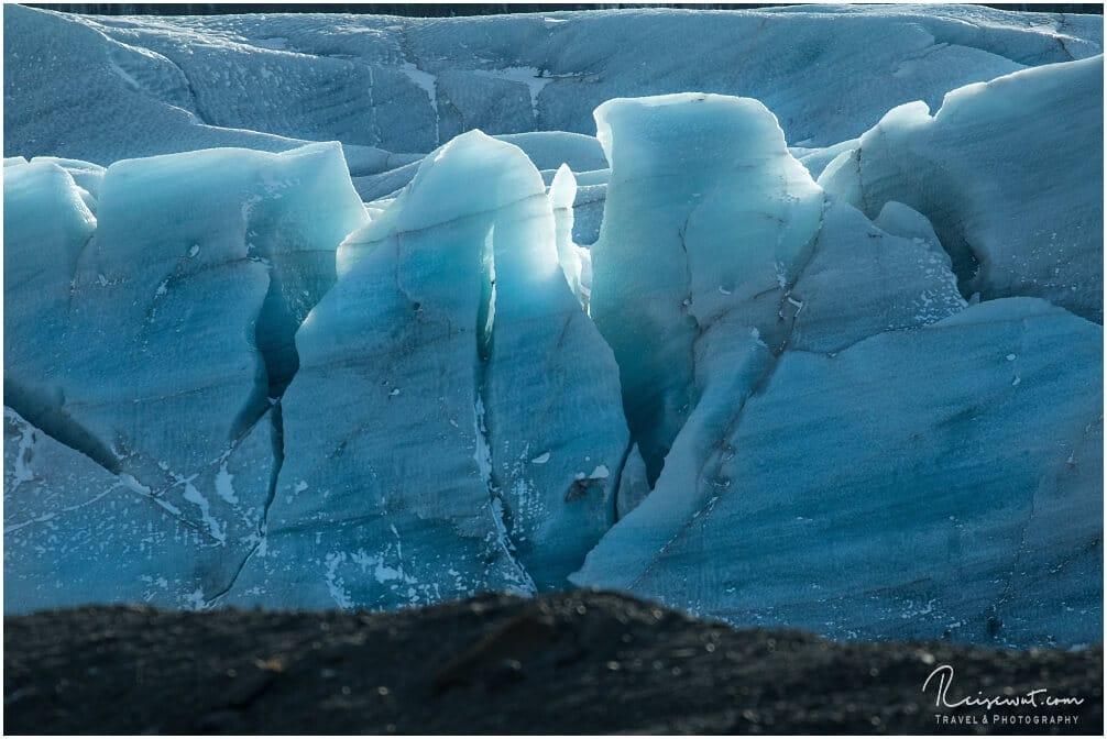 Strukturen und Formen im Eis
