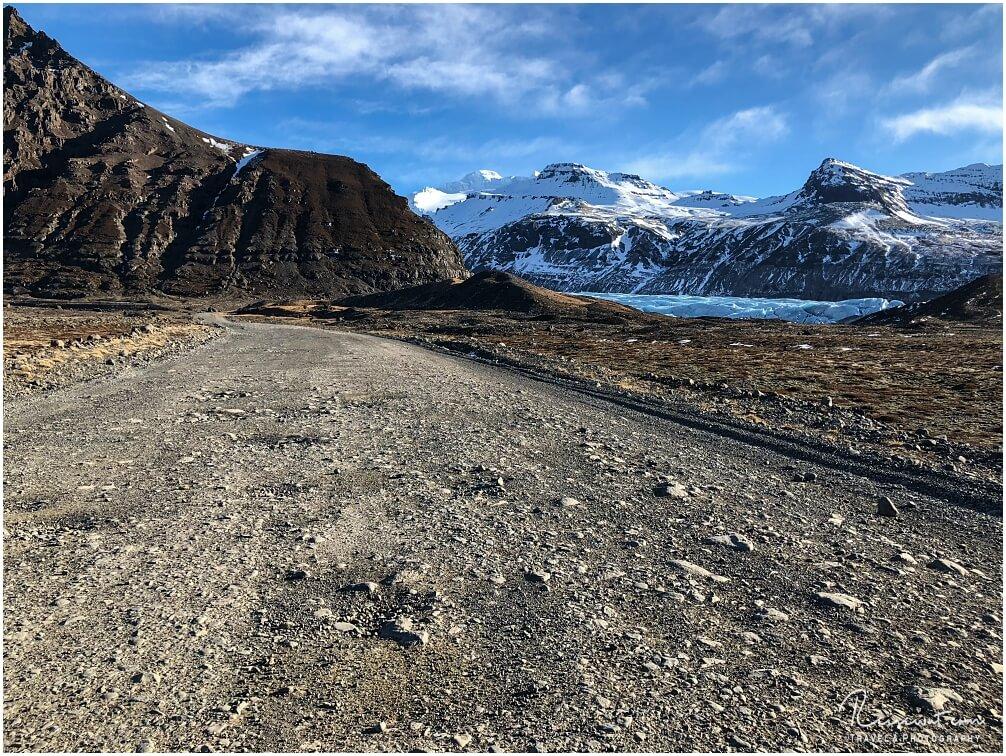 Die Zufahrtsstraße zum Gletscher