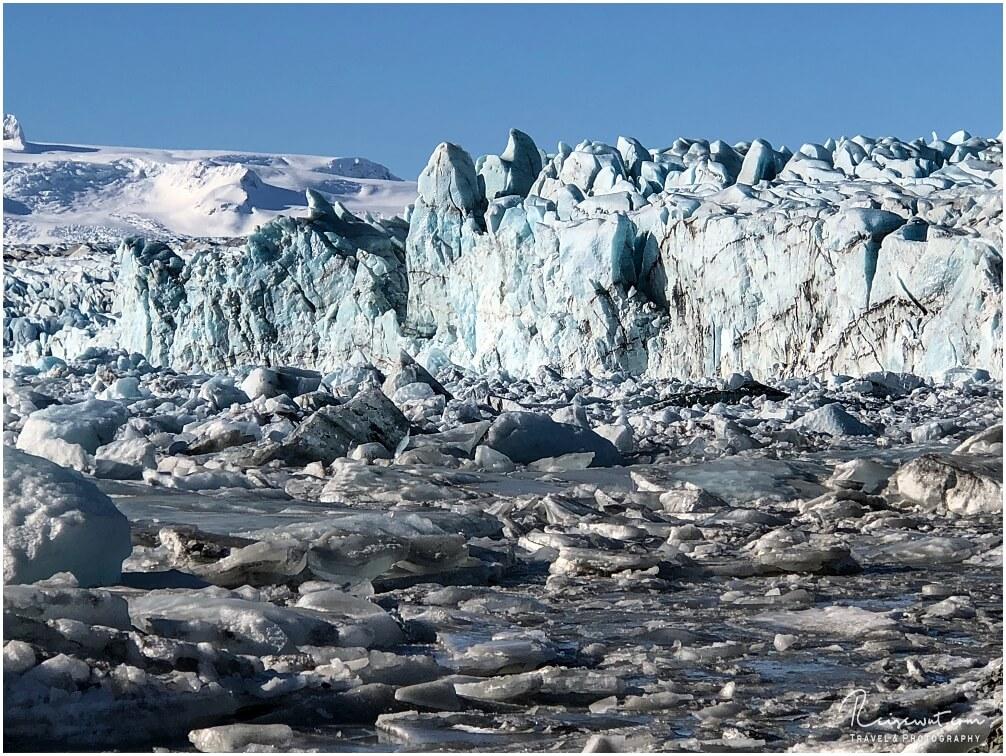 Die Abbruchkante des Breidarmerkurjökull