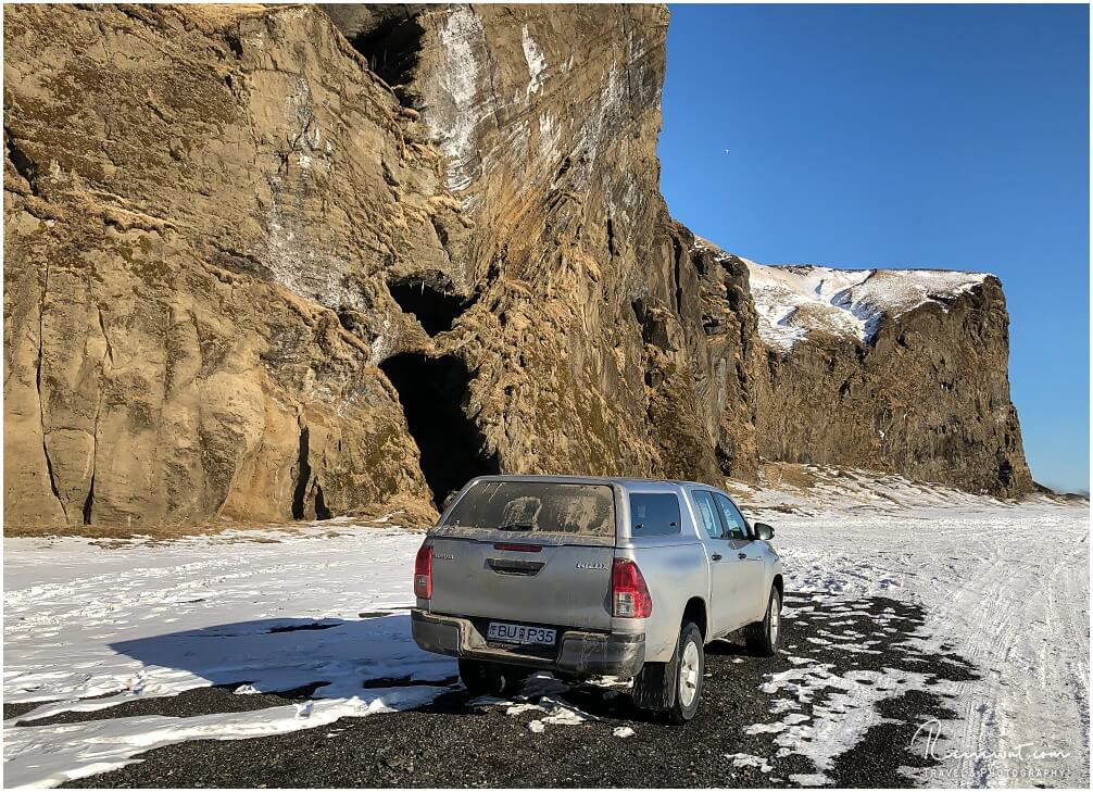 Hjörleifshöfði im hinteren Bereich, dort wo sich die Yoda Cave befindet