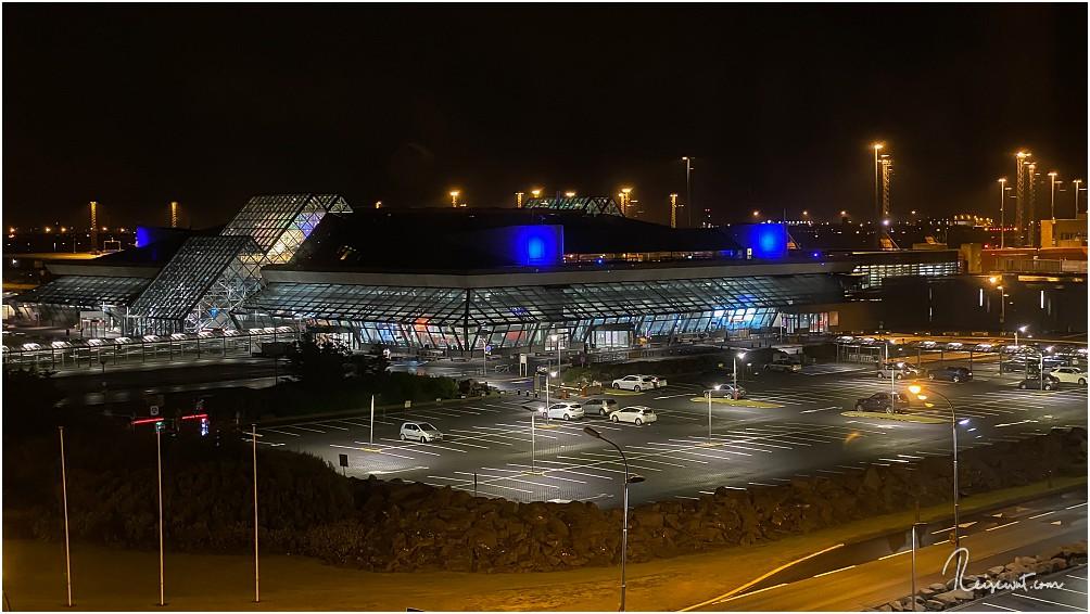 Flughafen Keflavik aus dem Hotelzimmer heraus fotografiert