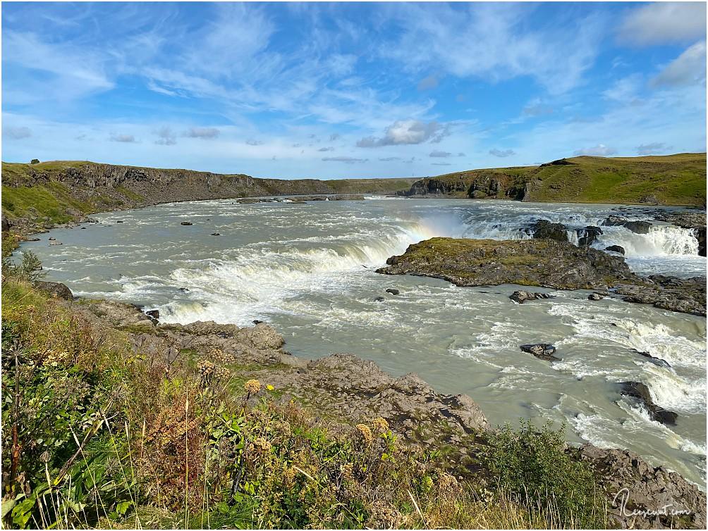Urriðafoss ... äußerlich recht unscheinbar, aber breiter und gewaltiger als man glaubt