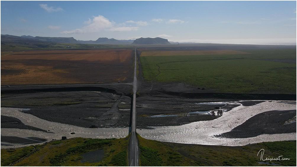 Der Blick von derselben Stelle aus in Richtung Vík í Mýrdal ... das sieht vielversprechend aus