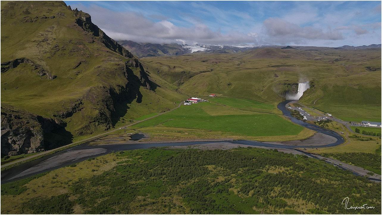 Blick in Richtung Skogafoss, wo heute mehr los ist als gestern