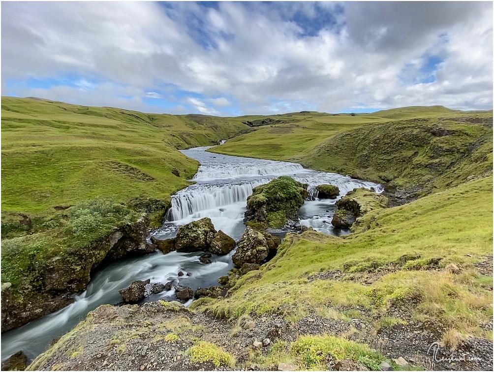 Egal ob klein, breit, hoch oder gewaltig ... der Fimmvörðuháls hat alles an Wasserfällen zu bieten, was man sich nur vorstellen kann