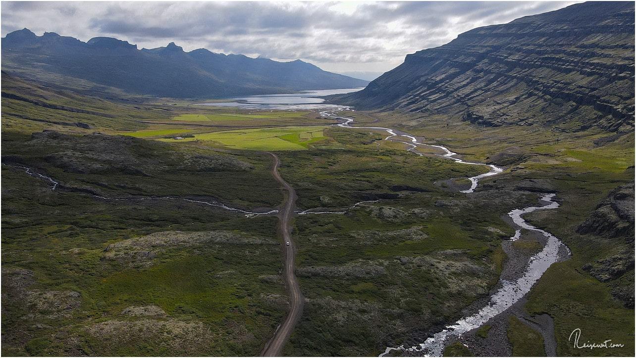 Blick zurück in Richtung Fjord