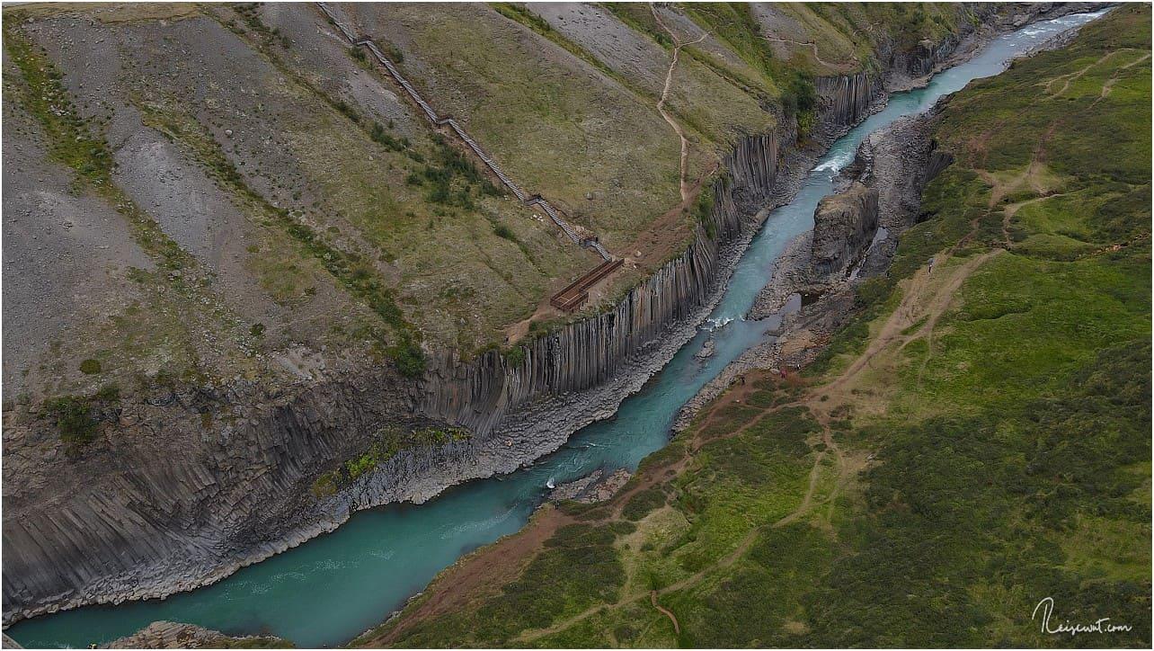 Das ist er im Prinzip, der gesamte Abschnitt, wegen dem der Stuðlagil Canyon so bekannt wurde