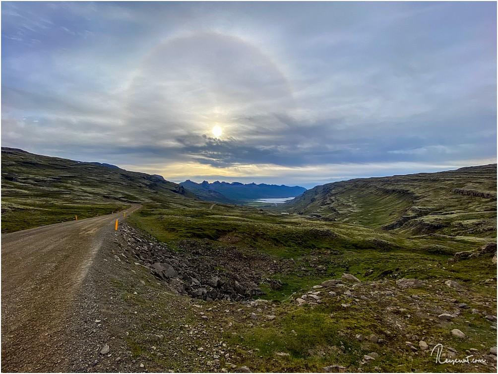 Morgendliche Sonnencorona auf dem Rückweg am Öxi-Pass