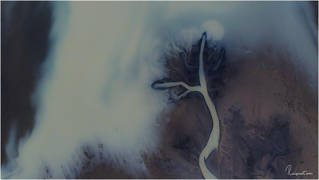 Topdown-Aufnahmen von den Flüssen im Hochland sind geradezu magisch