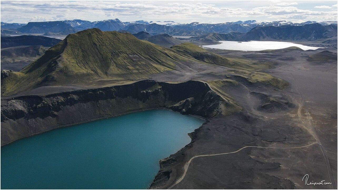 Blick rechts am Blahyur vorbei in Richtung Landmannalaugar