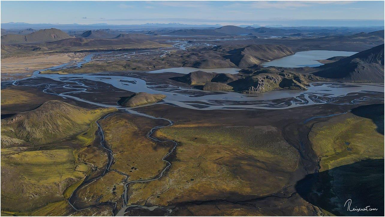 EIn Blick in die entgegengesetzte Richtung von Landmannalaugar, nach Südosten