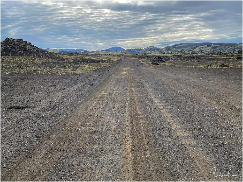 Die Landmannaleið fährt sie wie eine Art Gravel-Autobahn