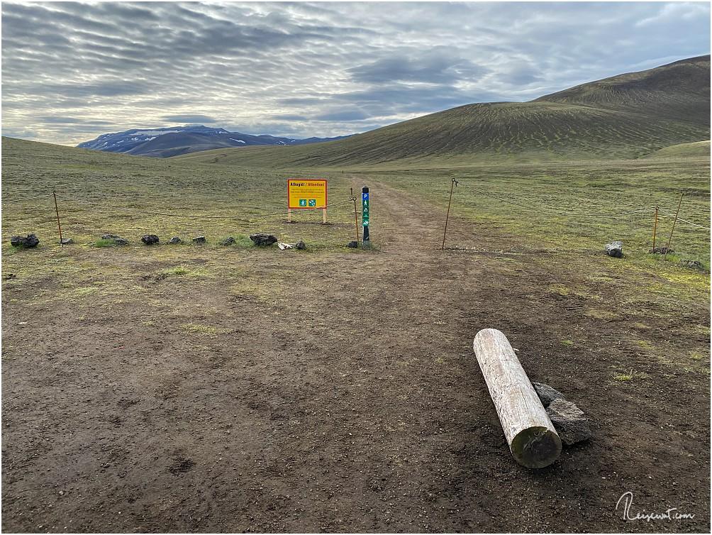 Der kleine Naturparkplatz, wo die Wanderung beginnt