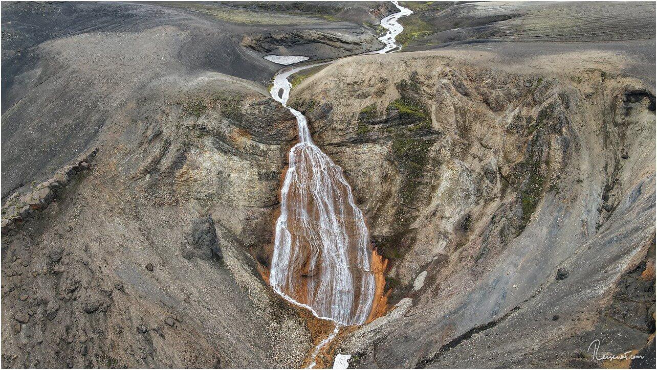 Luftaufnahme, um die Dimensionen des Rauðufossar besser im Blick zu haben