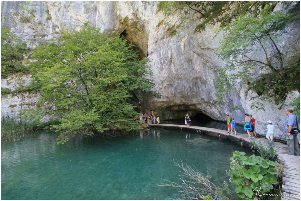 Der Steg zur Höhle Supljara pecina