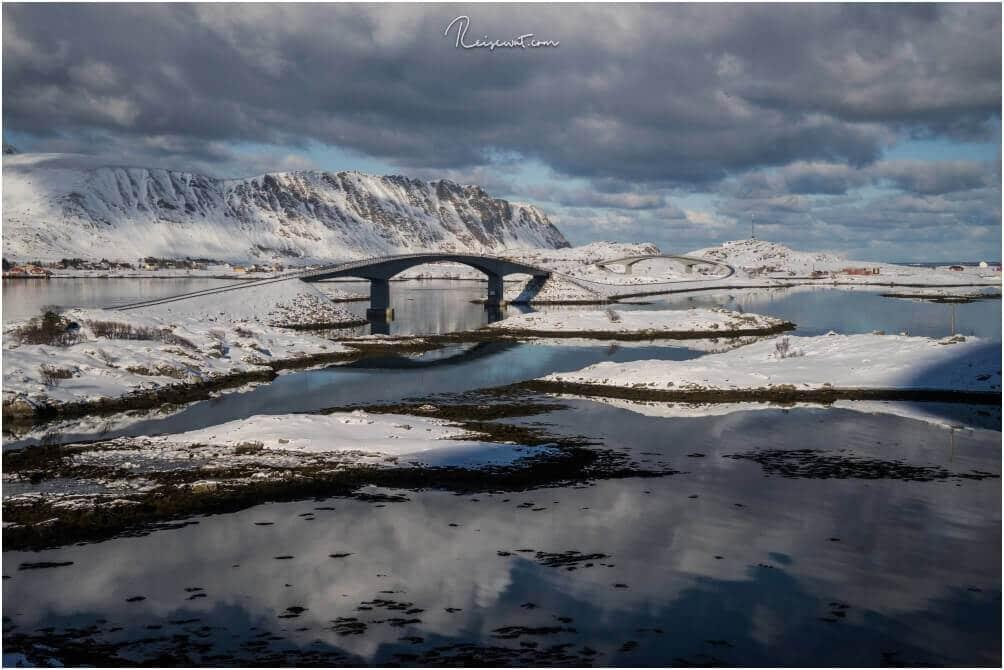 Die beiden Fredvang Brücken sind ein dankbares Fotomotiv wenn das Wetter passt