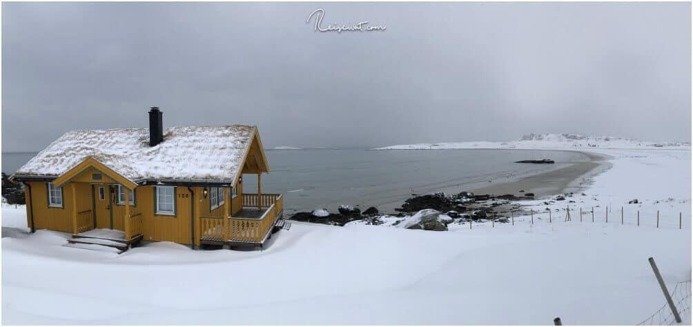 Winter am Myrland Beach. Es gibt keinerlei Möglichkeit auch nur in die Nähe des Strandes zu kommen ohne geeignete Schneeschuhe