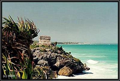 Tulum liegt direkt am Meer