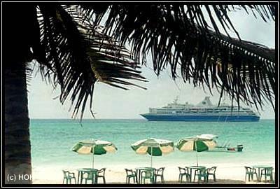 Kreuzfahrtschiff in Playa del Carmen