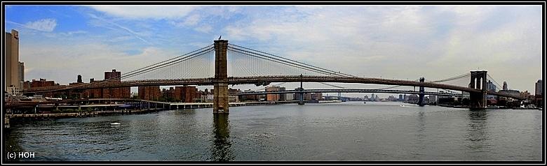 Brooklyn Bridge Panoraama vom Pier 17 aus aufgenommen