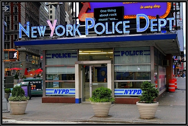 New York Police Dept am Times Square