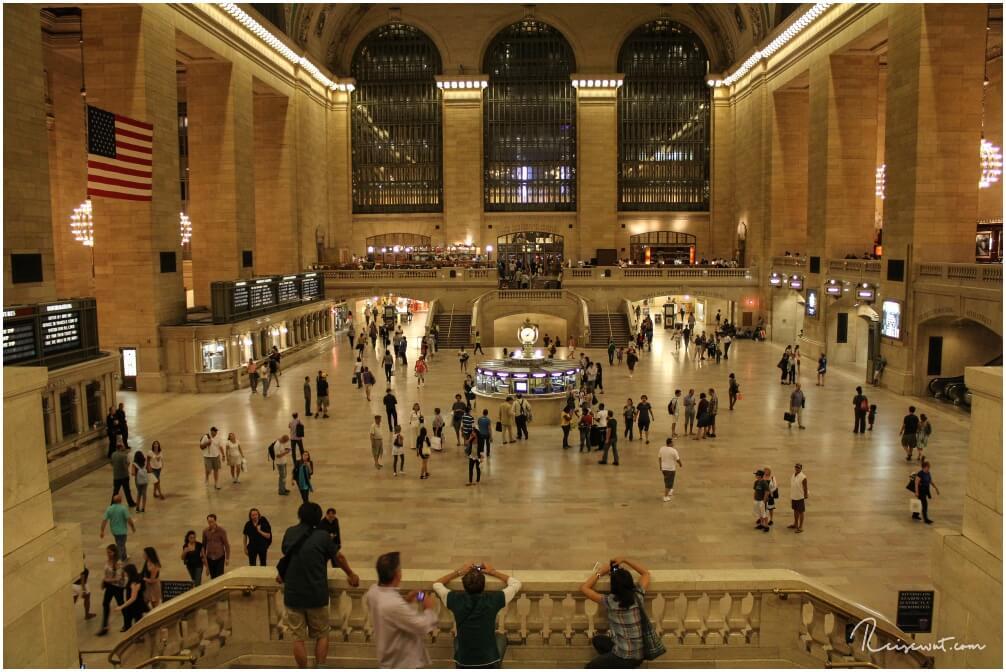 Eine ziemlich leere Halle der Grand Central Station. Zur Rush Hour ist hier kaum der Boden zu sehen