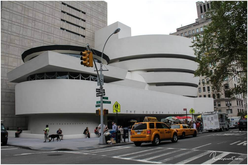 Das Guggenheim Museum mit seiner markanten Bauweise ist nicht zu übersehen