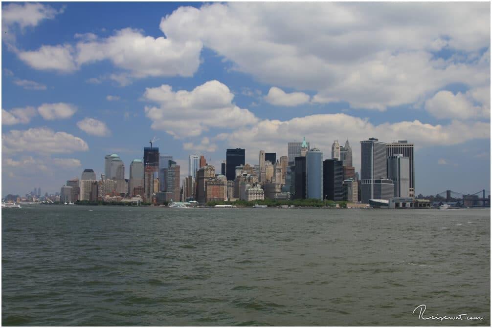 Nach ein paar Minuten hat man den Südzipfel Manhattans voll im Blick