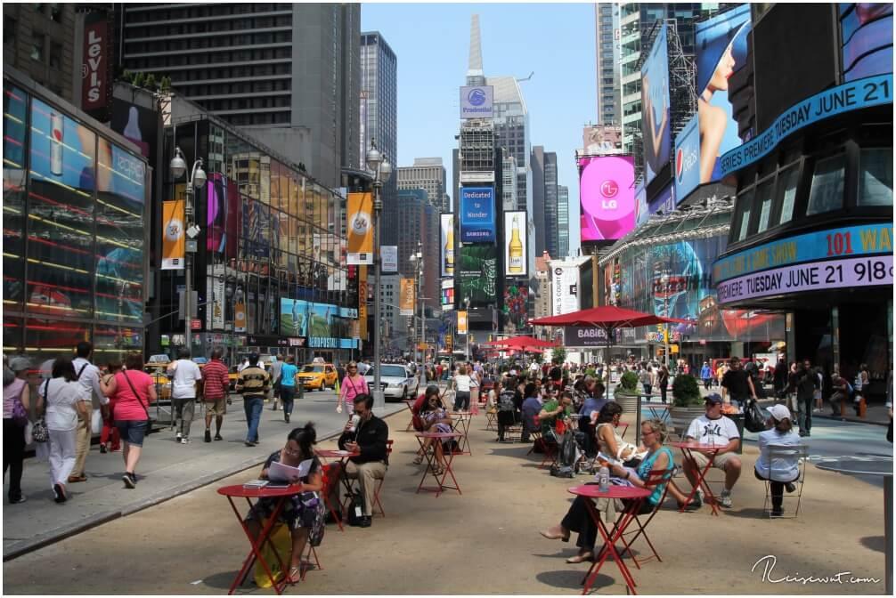 Früh Morgens ist die Welt am Times Square noch nicht ganz so hektisch