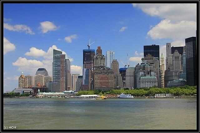 Blick auf Manhattan samt im Bau befindlichen Freedom Tower
