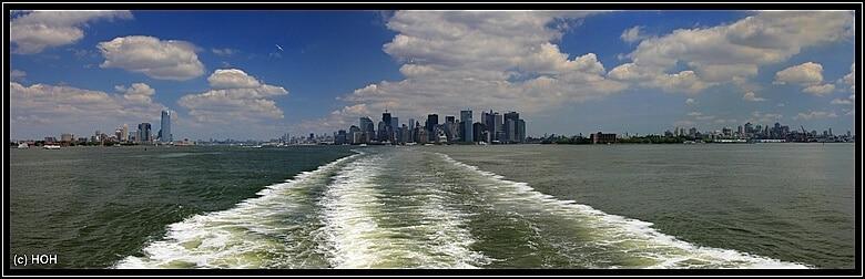 Panorama auf der Hinfahrt nach Staten Island ...