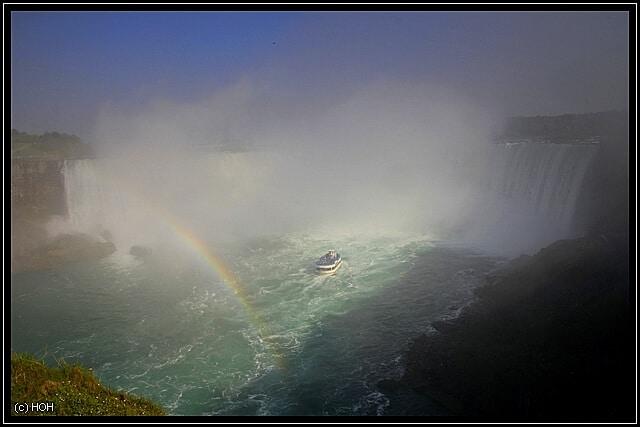 Horseshoe Falls mit obligatorischen Regenbogen