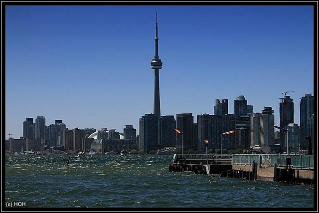 Blick von Toronto Island rüber zum CN Tower