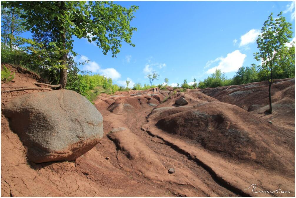 Freigelegter Felsen in den Cheltenham Badlands
