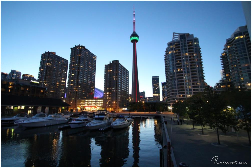 CN Tower zur Blue Hour