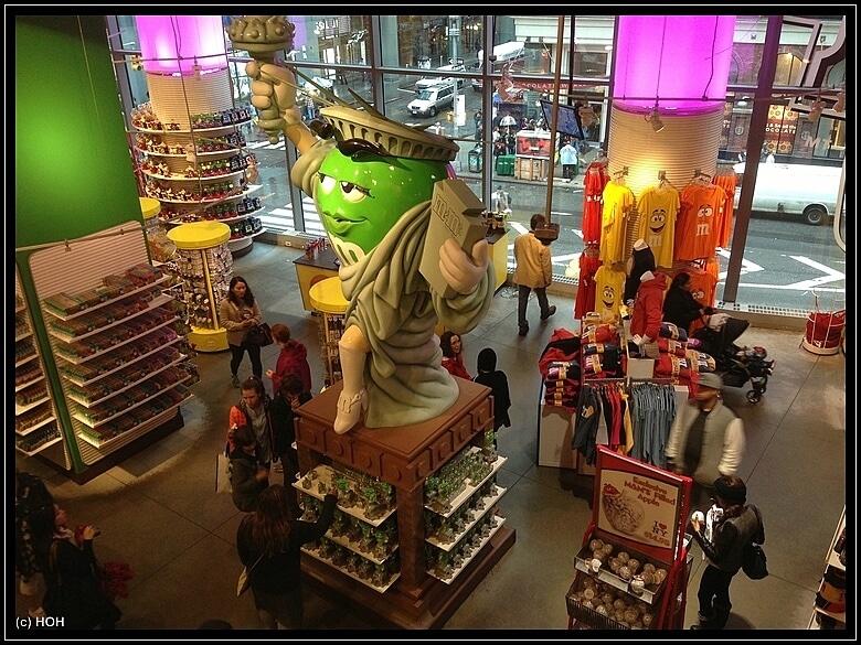 M und M Store NYC