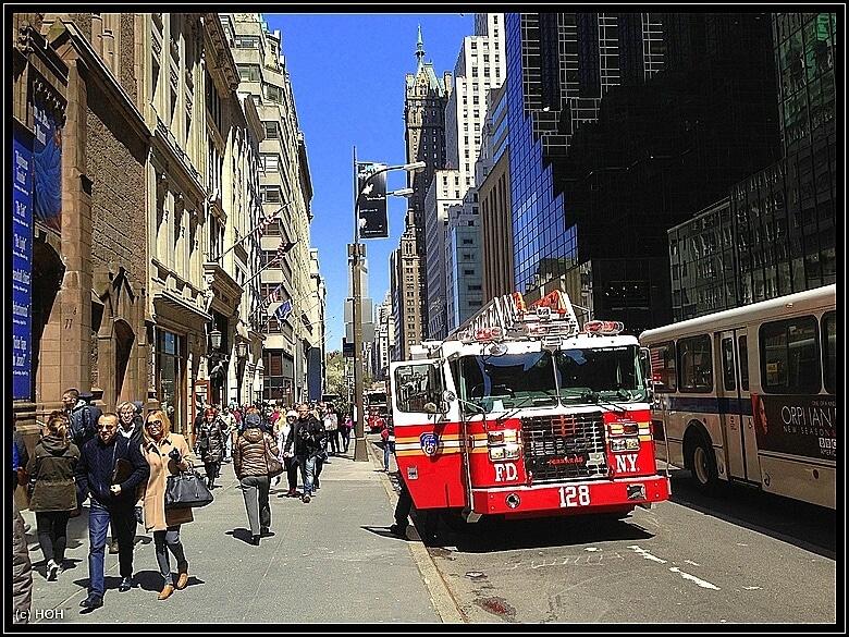 Einsatzfahrzeug des NYCFD (New York City Fire Departement)