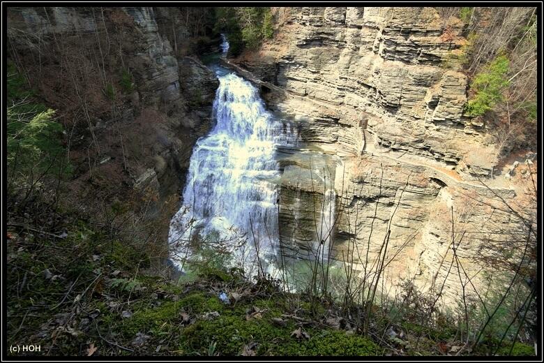 Die Lucifer Falls vom Rim Trail aus gesehen