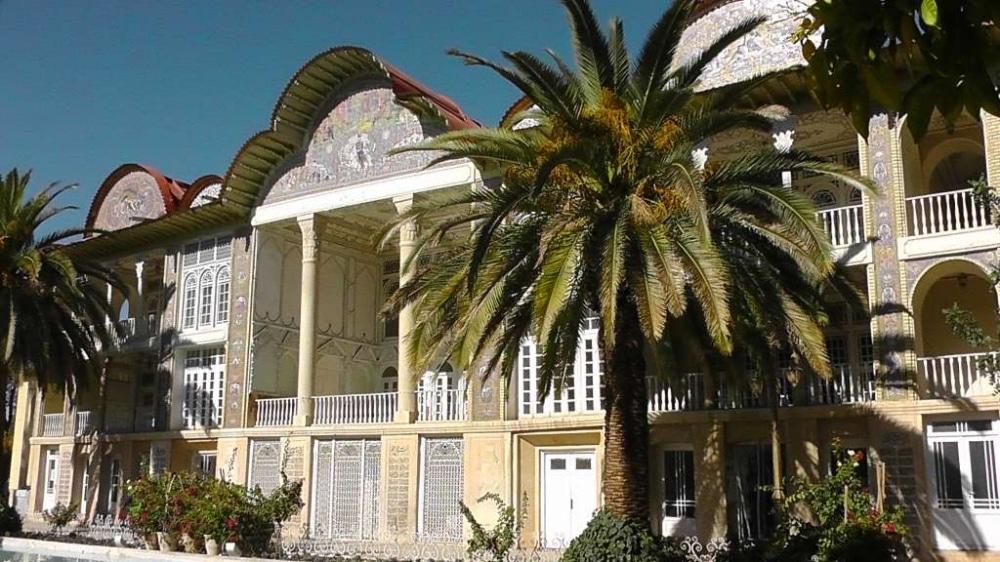 Der Garten in Shiraz. In einem Land, das hauptsächlich aus Wüste besteht, haben Gärten natürlich eine besondere Bedeutung. Dieser war einer der Schönsten, die wir besichtigt haben.