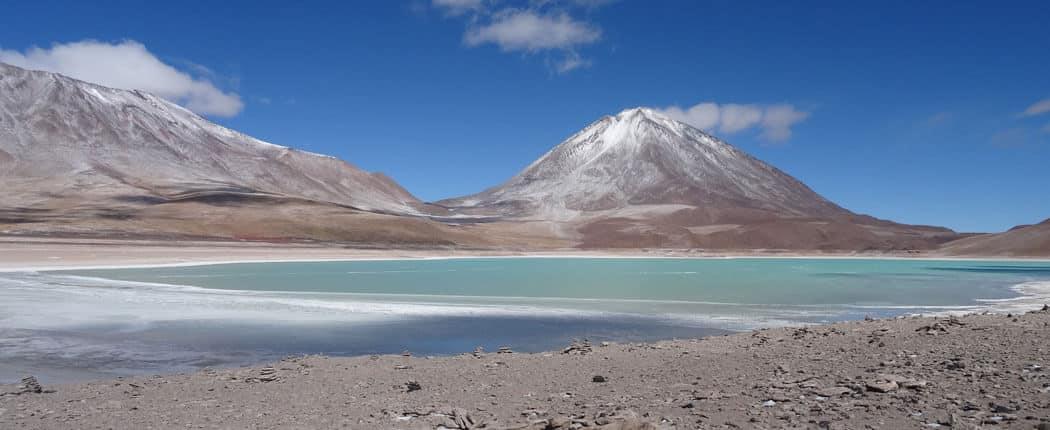 Einer der außergewöhnlichsten Orte, die ich je bereist habe, ist das Hochland von Bolivien. An der Laguna Verde musst ich glatt ein paar Tränchen verdrücken, weil dieser Ort so unglaublich schön ist.
