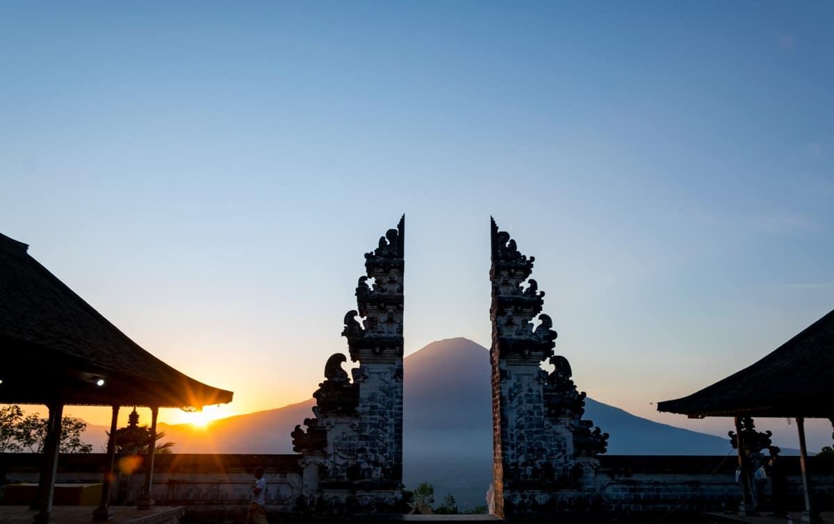 Pura Lempuyang: Das Himmelstor mit Blick auf den Mount Agung. Einfach wunderschön