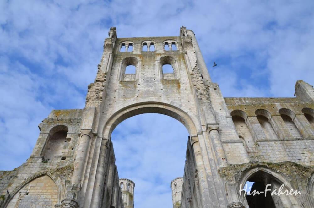 Wilhelm der Eroberer ging hier schon zum Gottesdienst. Das Kloster Jumièges in der Normandie ist die schönste Ruine Frankreichs.