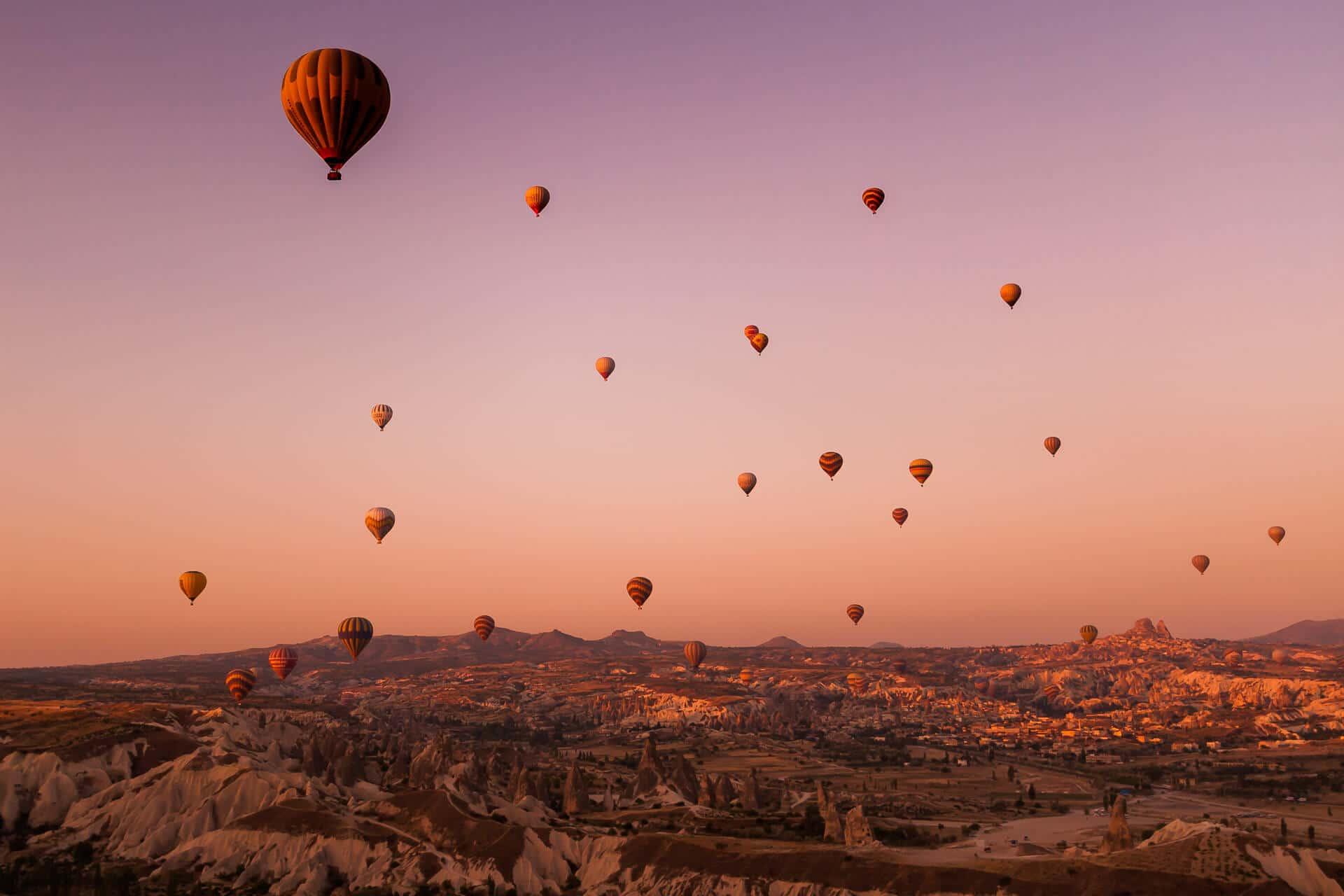 Sonnenaufgang im Heißluftballon über Kappadokien, Türkei – ein unvergessliches Erlebnis!