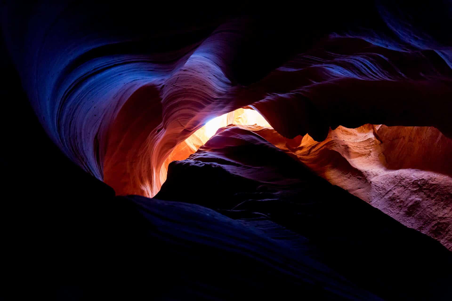 Canyon X in Arizona – wir lieben das Spiel mit Formen, Licht und Farben – ein Paradies für Fotografen!