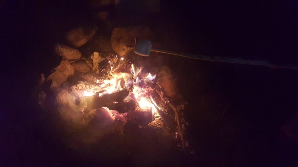 Camping ohne Feuer ist kein Camping. Es gibt nichts schöneres als Abends am Feuer zu entspannen!