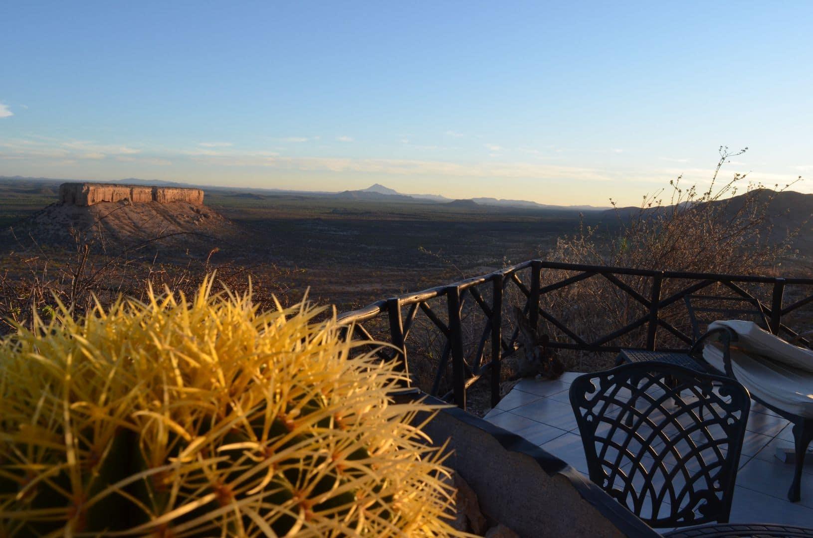 """oder der Ausblick von unserem Bungalow """"Heavens Gate"""" der Vingerklip Lodge waren einmalig."""