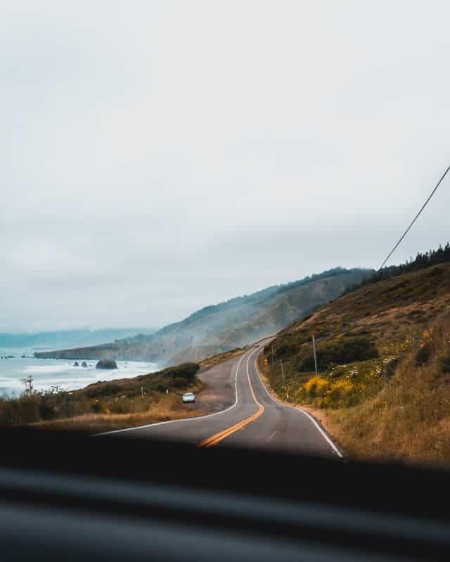 Fahrt auf dem Highway No. 1 an der USA Westküste.