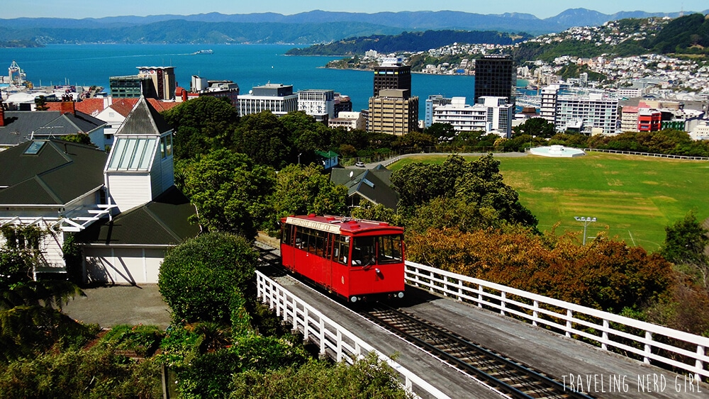Per Cable Car gehts in die Höhe, mit schöner Aussicht über Wellington