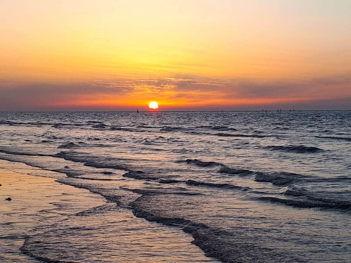 Große Zeelandliebe: In die Sonnenuntergänge an der niederländischen Nordseeküste haben wir uns schon vor Jahren verliebt.